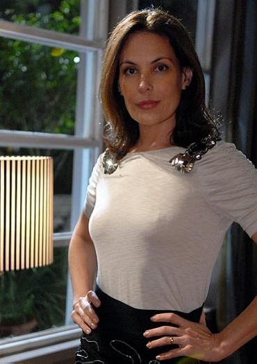 Carolina Ferraz recebe a maior proposta da Playboy para posar nua